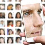 I 2012 standsede EU Facebooks brug af ansigtsgenkendelse på billeder og film i Europa. Nu bruger Facebook EUs nye databeskyttelse til ikke blot at bede brugerne godkende nye brugerbetingelser men også sige ja til ansigtsgenkendelse, så folk kan identificeres ud fra deres ansigt. Arkivfoto: Iris/Scanpix