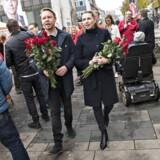 Mette Frederiksen vil besøge alle landets 98 kommuner forud for kommunalvalget. Her ses hun med Fredericia-borgmester Jacob Bjerregaard (S).