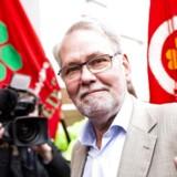 Dennis Kristensen ankommer til forhandlingerne søndag den 15. april. (Foto: Uffe Weng/Ritzau Scanpix)