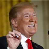 USA's præsident, Donald Trump, truer med at hæve tolden på en lang række kinesiske varer med yderligere ti procent.