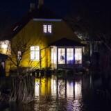 Her ses oversvømmelse på Køge Havn og området omkring åen. Hus på Åvænget. Onsdag den 4. januar 2017. (Foto: Claus Bech/Scanpix 2017)