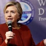 Hillary Clinton, der her ses ved et arrangement i november sidste år, overraskede mange med sin gæsteoptræden ved Grammy-uddelingerne, hvor hun læste op af bogen »Fire and Fury« om Det Hvide Hus under præsident Trump.