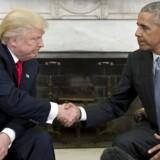 Arkivfoto. Traditionen tro blev den valgte præsident, Donald Trump, modtaget i Det Hvide Hus, som skal være hans bolig de kommende fire år, når præsident Barack Obamas periode udløber 20. januar.