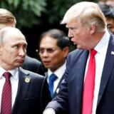 Arkivfoto. Putin og Trump mødtes i Vietnam i navember 2017. REUTERS/Jorge Silva/File Photo