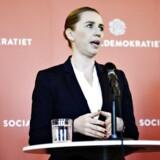Femte februar præsenterede Mette Frederiksen Socialdemokratiets nye udlændingeudspil. Nu vækker det kritik fra resten af rød blok, at partiet ikke vil bruge flere penge på udviklingsbistand.