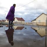 Landsbyen Novomusljumovo i det sydlige Ural ligger nær Majak-atomanlægget, der mistænkes for at stå bag et atomudslip. Ruslands meteorologiske instittet har målt op til 986 gange den normale koncentration af den radioaktive isotop ruthenium-106 i området. Majak var i 1957 skueplads for en atomulykke, der regnes for den tredjeværste nogensinde.