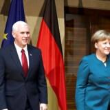 Lørdag mødte Tysklands kansler Angela Merkel for første gang USAs vicepræsident Mike Pence på den årlige sikkerhedskonference i München.