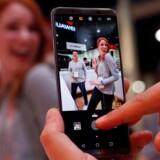 Huawei retter sit fokus mod Storbritannien oven på politisk pres i USA, hvor to af de største teleselskaber har trukket sig fra et planlagt salg af den kinesiske mobilgigants toptelefon, Mate 10 Pro (billedet). Arkivfoto: Steve Marcus, Reuters/Scanpix