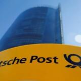 Deutsche Posts driftoverskud er lidt lavere end forventet i årets første kvartal.