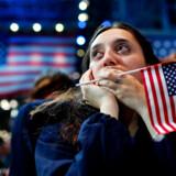 Fra jubel til gråd. Fra begejstring til bekymring. Fra chok til glæde. Amerikanernes reaktioner var mange, da det stod klart at Donald Trump slog Hillary Clinton og bliver den kommende præsident i USA.