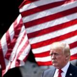 For at beskytte amerikanske arbejdspladser lægger præsident Donald Tump told på kinesisk teknologi.
