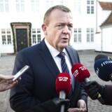 Statsminister Lars Løkke Rasmussen (V) foran sin embedsbolig, Marienborg.