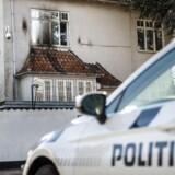 Tyrkiets ambassade har været udsat for attentat med brandbomber - såkaldte molotovcocktails - natten til mandag d. 19. marts 2018. Rosbæksvej 15, 2100 København Ø.