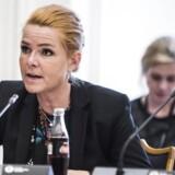 Inger Støjberg (V) kommer under beskydning forud for samråd torsdag, hvor hun skal forklare om sin rolle i det, der viste sig at være en ulovlig adskillelse af unge asylpar.