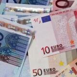 Euroen presses.