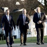 Smilene og ambitionerne var store, da statsminister Lars Løkke Rasmussen (V) sikrede sin og regeringens overlevelse ved at invitere LA-leder Anders Samuelsen og de Konservatives formand, Søren Pape Poulsen, med i sin regering. Tirsdag fylder VLAK-regeringen 100 dage.