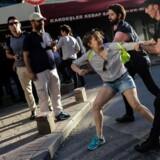 Den danske kvinde var ligesom mange andre blevet anholdt i forbindelse med en homoparade i Istanbul. Det er ikke den danske kvinde på billedet.