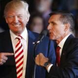 Donald Trump og Michael Flynn, mens alt stadig var godt - og Flynn ville sende Hillary Clinton i fængsel og ikke selv var bange for fængsel.