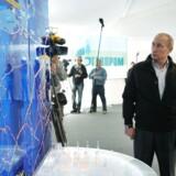 Vladimir Putin og administrerende direktør i Gazprom, Alexei Miller, overvåger gasudledningerne i Nord Stream-projektet. (Arkivbillede)