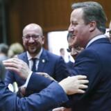 Løsningen på EUs problemer er ikke at sige »go to hell« til englænderne, siger den danske statsminister, Lars Løkke Rasmussen, der her hilser på en central én af slagsen under tirsdagens Brexit-topmøde i Bruxelles.