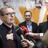»Det er et godt eksempel på, hvad der sker, når politikere begynder at blande sig i alt for meget. Det er helt forkert med offentlige repræsentanter i private selskaber,« siger Hans Kristian Skibby.