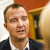 (ARKIV) Dansk Folkepartis medieordfører Morten Marinus 1. december 2016. Ifølge TV2 lægger regeringen op til at skære 33 procent af Radio24syv og spare på TV2's regioner. Det skriver Ritzau, torsdag den 5. april 2018.. (Foto: Ólafur Steinar Gestsson/Ritzau Scanpix)