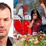 Til venstre: Berlingskes USA-korrespondent Michael Bjerre. Til højre: Ansatte og studerende på Marjory Stoneman Douglas High School sørger ved de 17 kors, der er stillet op foran skolen. Korsene symboliserer ofrene for skoleskyderiet den 14. februar.