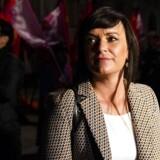 Innovationsminister Sophie Løhde (V) forlod Forligsinstitutionen i København sent søndag aften, da forhandlingerne om en ny overenskomst blev sat på pause. »Jeg skal ikke lægge skjul på, at det ser meget svært ud,« sagde hun.