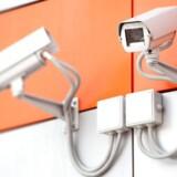 Overvågningskameraer er konstant koblet på internetforbindelsen og er derfor oplagte mål for hackere - hvilket hackerne nu også har fundet ud af. Arkivfoto: Iris/Scanpix
