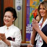 Den britiske avis Daily Mail skal betale USA's nye førstedame, Melania Trump, et ukendt beløb i erstatning for en artikel i sommeren 2016 om hendes forhenværende arbejde som professionel model.