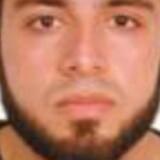 Politiet har udsendt et foto af mistænkt i forbindelse med eksplosion i New York. Den eftersøgte er 28 år og hedder Ahmad Khan Rahami, skriver Reuters.