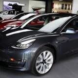 Produktion i døgndrift skal sikre Tesla en produktion på 6.000 Model 3 biler om ugen inden udgangen af juni. Tesla nåede dog ikke målet om 2.500 biler om ugen inden april.