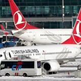 Arkivfoto af fly fra Turkish Airlines ved Ataturk International Lufthavn i Tyrkiet.