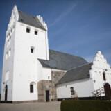 Folkekirkens medlemstal skrumper. For ti år siden var 82,1 procent af danskerne med i det kirkelige fællesskab. Det er nu faldet til 75,3 procent. Free/Colourbox