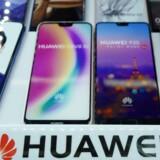 Huawei mindsker hele tiden afstanden til Apple og kæmper for at overhale sin amerikanske konkurrent på mobilmarkedet, her med de nye P20-Android-telefoner. Arkivfoto: Johannes Eisele, AFP/Scanpix