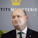 Justitsminister Søren Pape Poulsen (K) vil opstille hemmelige kameraer på vejene for stoppe stenkastere. (Foto: Liselotte Sabroe/Scanpix 2016)