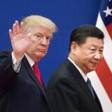 USA's præsident, Donald Trump og Kinas præsident, Xi Jinping. Selv om USA og Kina har indført forskellige tiltag, der skal begrænse samhandlen mellem de to lande, er der fortsat solid fremdrift i den kinesiske økonomi. (Foto: NICOLAS ASFOURI/Ritzau Scanpix)
