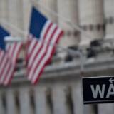 Dow-indekset er ved lukketid faldet med 2,9 procent, mens S&P er nede med 2,5 procent. Nasdaq falder 2,4 procent / AFP PHOTO / Bryan R. Smith