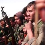 Forskellige syriske oprørsgrupper, som her De Syriske Demokratiske Styrker, har i samarbejde med USA i længere tid planlagt en offensiv mod Islamisk Stats hovedby Raqqa, der kan blive et afgørende slag med den islamistiske terrorbevægelse. Foto: Reuters
