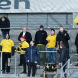 En lidt sparsom gruppering af AC Horsens-fans under Superligakampen på Farum Park mellem FC Helsingør og AC Horsens, søndag den 18. februar 2018. Kampen har den tvivlsomme rekord for »mindst velbesøgte superligakamp siden 2002« med beskedne 568 tilskuere.