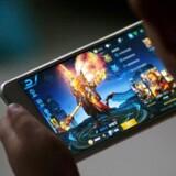 Den kinesiske tech- og spilgigant Tencent, som for nylig købte sig ind i Snapchat, arbejder sammen med internetgiganten Alibaba tæt sammen med de kinesiske myndigheder om overvågning på baggrund af de enorme mængder data om deres hundredvis af millioner af brugere. Arkivfoto: Reuters/Scanpix
