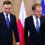 Polens President Andrzej Duda sammen med Donald Tuskfør et møde i Bruxelles. AFP PHOTO / POOL / FRANCOIS LENOIR