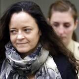 Beate Zschäpe, der er den hovedanklagede i en retssag mod en nynazistisk gruppe, som anklages for ti drab, udtalte sig torsdag for første gang i en retssal i München.