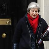 Den britiske premierminister, Theresa May, mødes torsdag med sine nøgleministre på premierministerens landsted Chequers, hvor de vil forsøge at finde frem til en endelig version af regeringens holdning til EU-forhandlingerne. Scanpix/Adrian Dennis