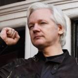 Hvis FBI har ret, var det en 29-årig tidligere CIA-hacker, som i vrede lækkede hele den amerikanske efterretningstjeneste værksted af redskaber til Julian Assange (billedet) og Wikileaks.