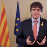 Carles Puigdemont står til at blive anholdt, hvis han vender hjem til Spanien. Derfor vil han drive en form for eksilregering fra Belgien. Reuters/Handout/arkiv