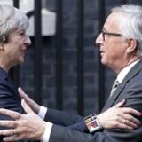 Mandag mødes Theresa May og Jean-Claude Juncker for at gøre status på brexit-forhandlingerne. Foto: AFP / Justin Tallis