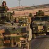 Kurdiske styrker drev Islamisk Stat ud af byen Manbij. Nu vil tyrkerne have kurderne ud af byen. Foto: Scanpix/Bulent Kilic