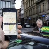 Den nye taxalov indfører samtidig skærpede sanktioner, hvis man kører taxi uden at leve op til kravene i loven. Uber vil fortsat være ulovlig i deres nuværende format.