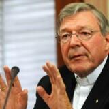 Australiens højst placerede katolik, kardinal George Pell, er tiltalt for sexovergreb.